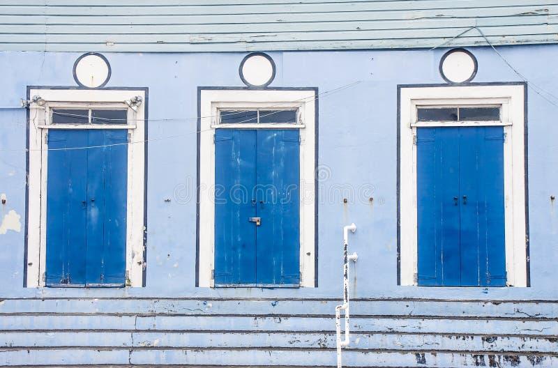 Drie Blauwe Deuren bij de Blauwe Bouw royalty-vrije stock fotografie