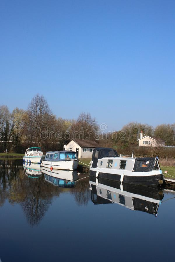 Drie boten op het kanaal van Lancaster in Tewitfield royalty-vrije stock afbeeldingen