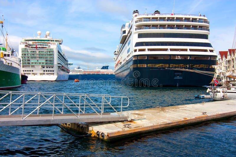 Drie cruiseschepen stock foto