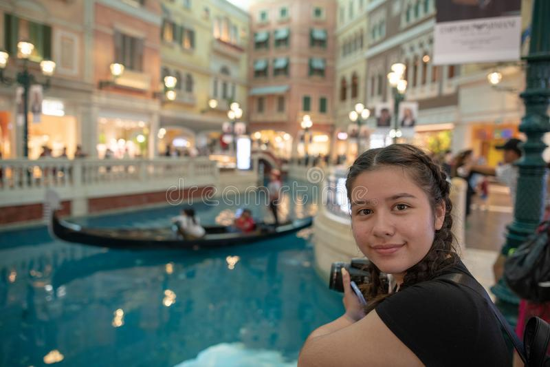 Drie 3 gondels op water binnen toevlucht van de de mensenreis van Macao de Venetiaanse unrecognisable stock foto