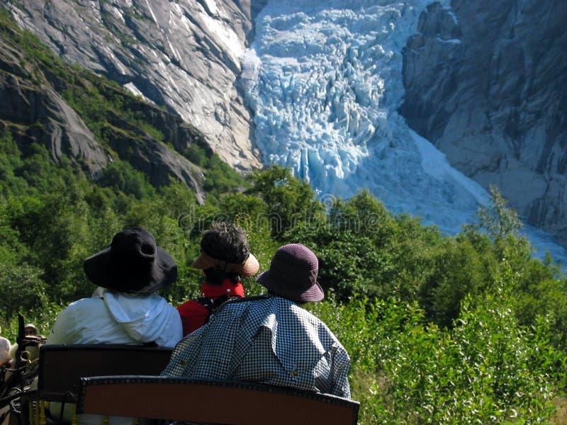 Download Drie hoeden en gletsjer stock foto. Afbeelding bestaande uit cruise - 287088