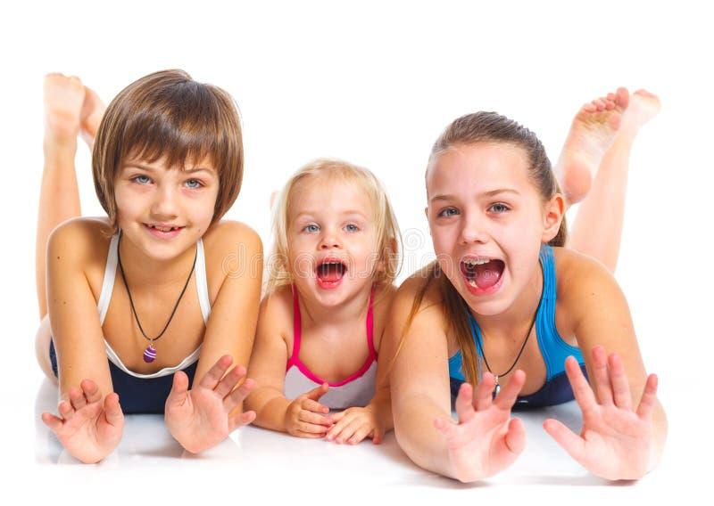 Drie jonge mooie meisjes stock afbeeldingen