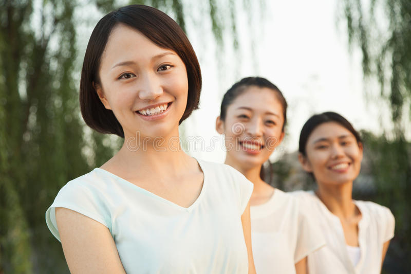 Drie Jonge Vrouwen - Portret stock foto's