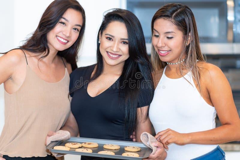 Drie Mamma's in de Keuken royalty-vrije stock foto's