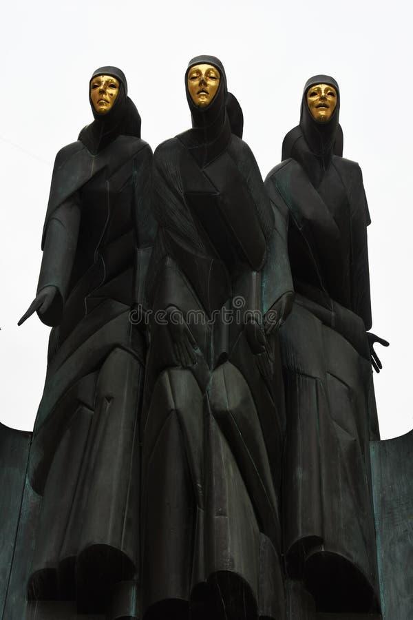 Drie Musen beeldhouwen in Vilnius, Litouwen stock foto's