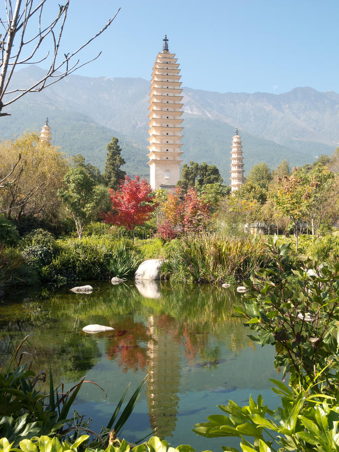 Drie pagoden Dali, China royalty-vrije stock foto's