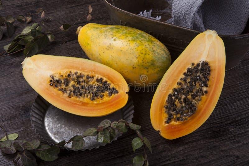Drie papaja's royalty-vrije stock afbeelding
