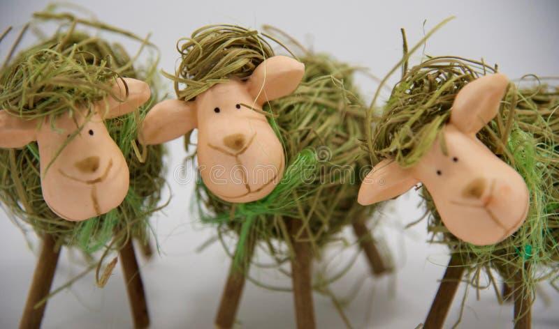 Drie Pasen stro sheeps 4ht stock afbeeldingen
