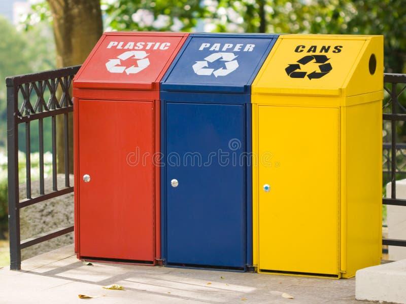 Drie recyclingsbak royalty-vrije stock afbeeldingen
