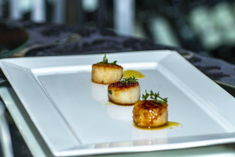 Drie stukken van gastronomisch voedsel royalty-vrije stock foto's