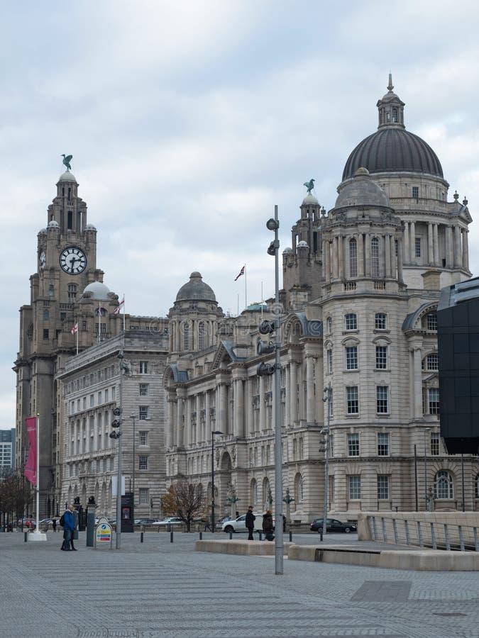Drie vereren op de waterkant van Liverpool royalty-vrije stock afbeeldingen