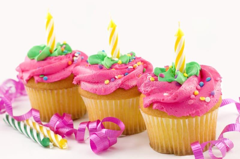 Drie Verjaardag Cupcakes royalty-vrije stock afbeeldingen