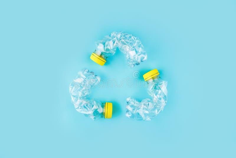 Drie verpletterde plastic flessen royalty-vrije stock foto's