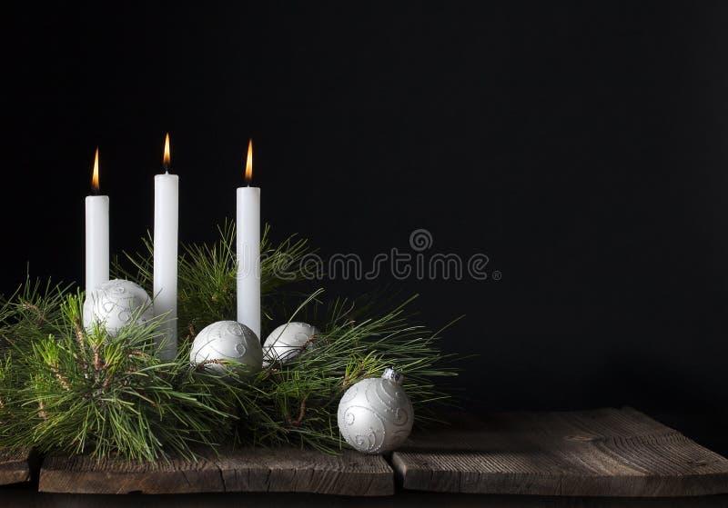 Drie Witte Ornamenten van Kaarsenkerstmis stock foto