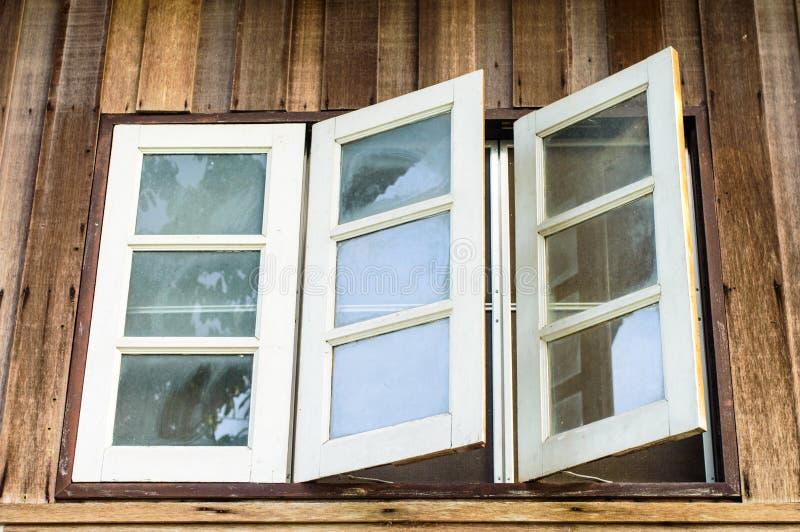 Drie witte vensters royalty-vrije stock afbeeldingen