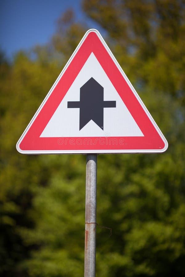 Driehoeksverkeerteken voor kruispunten royalty-vrije stock foto's