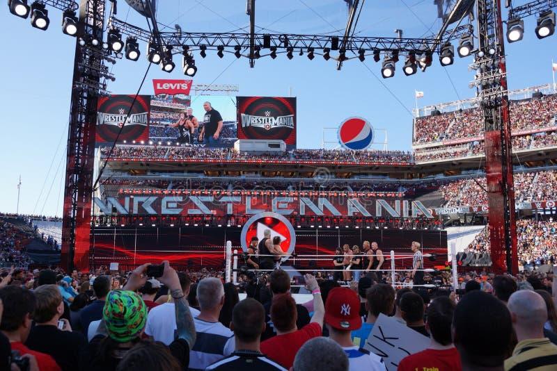 Drievoudig H met DX en Sting met NOW staren neer in de ring daarna royalty-vrije stock foto