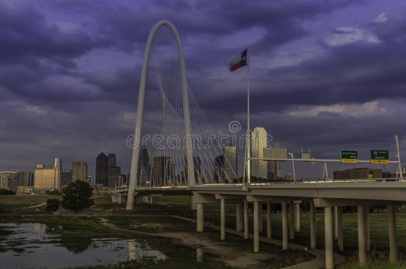 Drievuldigheidsbrug in Dallas Texas stock fotografie
