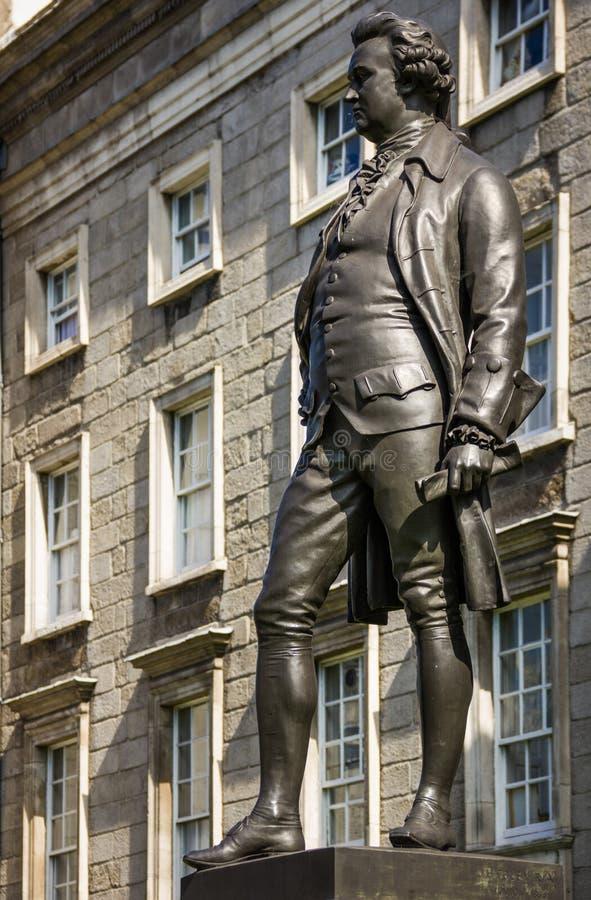 Drievuldigheidsuniversiteit Standbeeld van Edmund Burke dublin ierland stock foto's