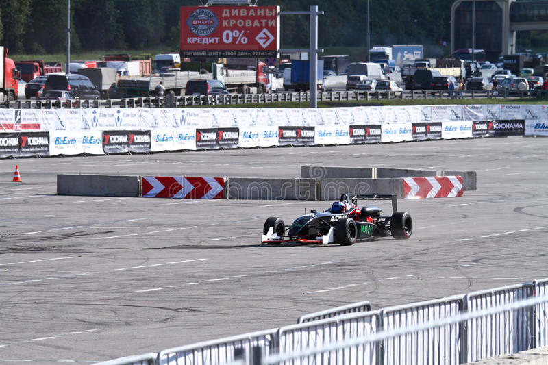 Drift show formula 1 auto. MOSCOW - AUGUST 25: Drift show formula 1 auto at the international exhibition of the auto and components industry, Interauto on August royalty free stock photos