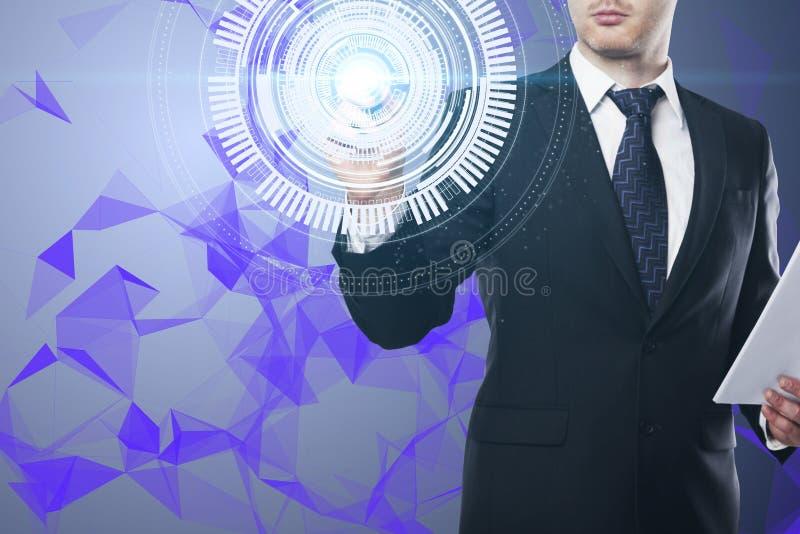 Driftig digital knapp för affärsman royaltyfri bild