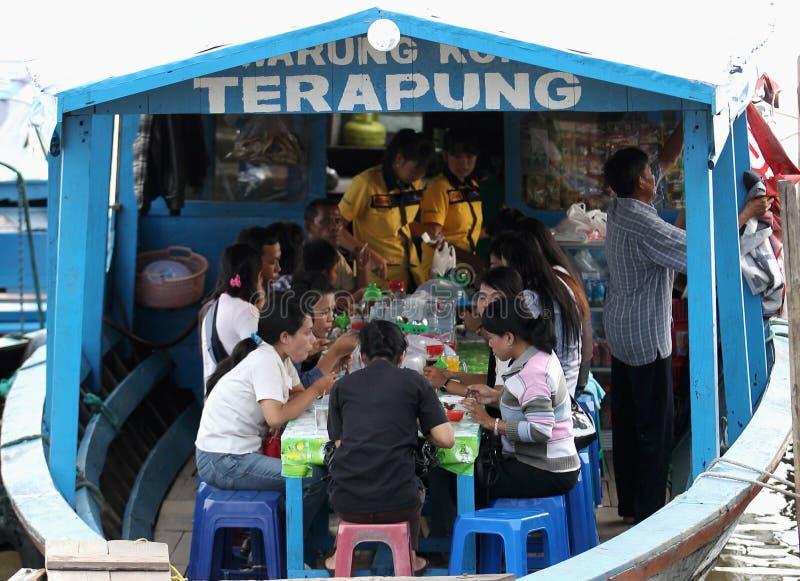 Drijvend Restaurant Redactionele Stock Foto