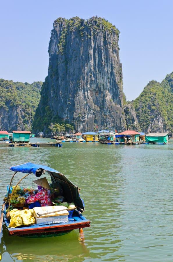 Drijvend visserijdorp, Vietnam royalty-vrije stock fotografie