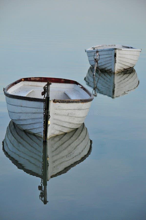 Drijvende boten stock foto's