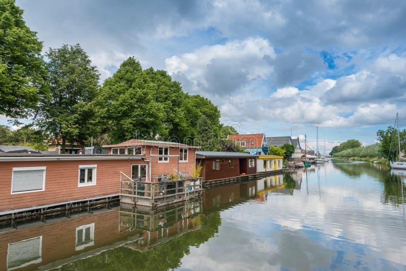 Drijvende huizen, Edam, Nederland royalty-vrije stock afbeeldingen