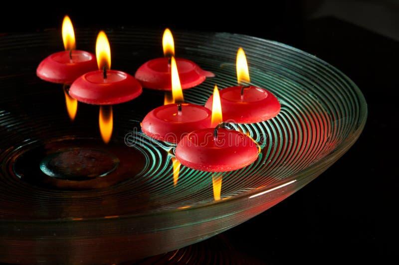 Drijvende kaarsen stock fotografie