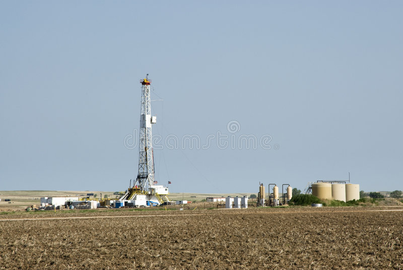 Download Drilling Rig & Gas Storage Tanks Stock Photo - Image: 5346092