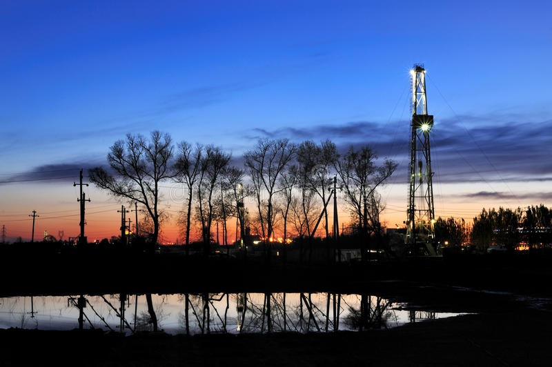 Drilling tower