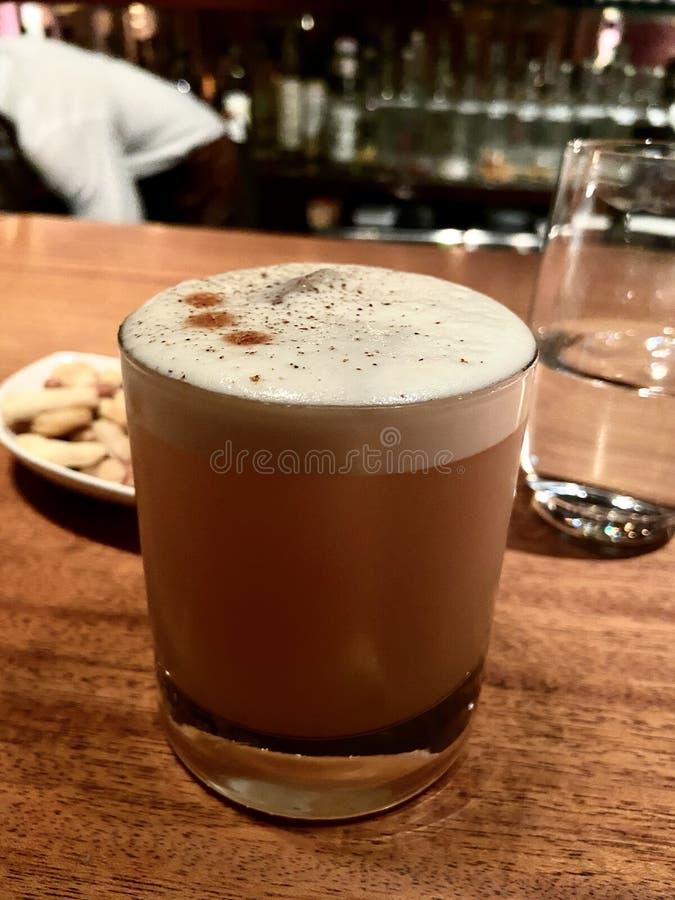 Drink alkoholische sour japanese bar lizenzfreies stockfoto
