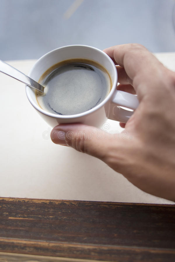 Drinkende koffie royalty-vrije stock fotografie