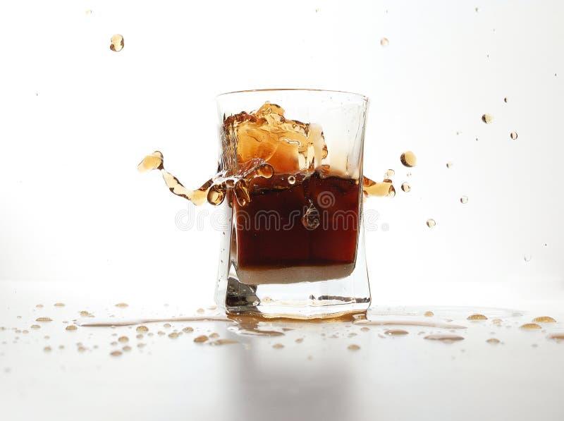 drinkfärgstänk arkivfoto