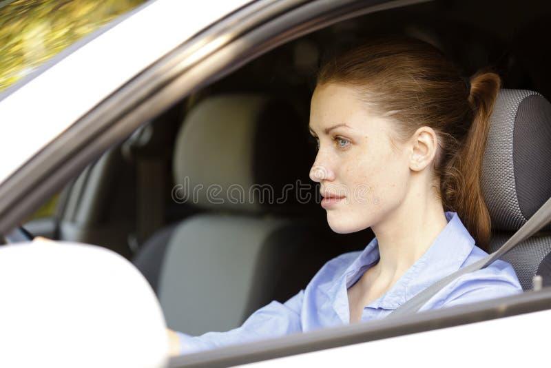 Driver femminile grazioso immagini stock libere da diritti
