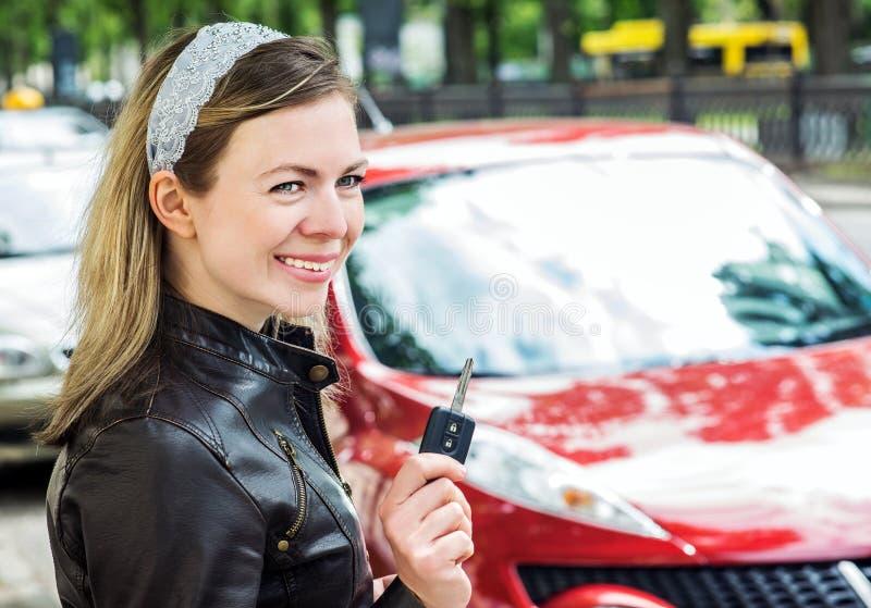 Driver grazioso della donna immagine stock libera da diritti