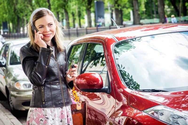 Driver grazioso della donna fotografia stock libera da diritti