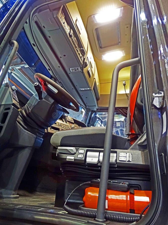 Driver& x27; táxi de s de um caminhão moderno fotografia de stock royalty free
