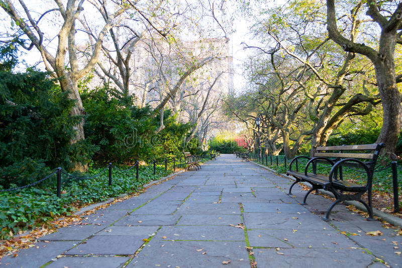 Drivhusträdgården är den enda formella trädgården i Central Park arkivfoto