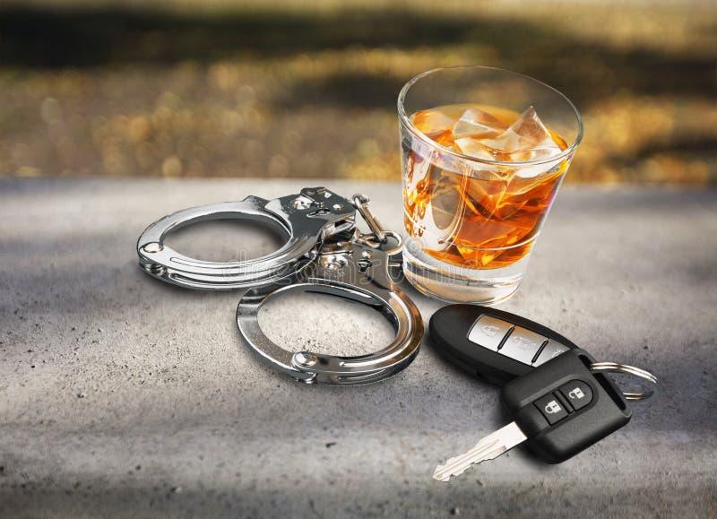 driving drunk στοκ φωτογραφία με δικαίωμα ελεύθερης χρήσης