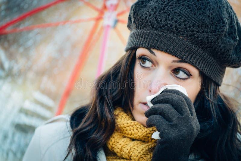 Droefheidsgriep en koude op de herfst stock afbeeldingen