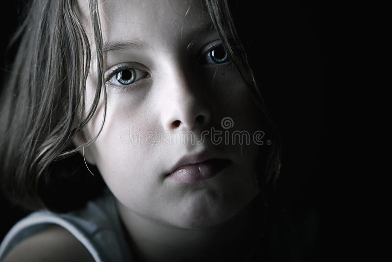 Droevig Kind stock foto