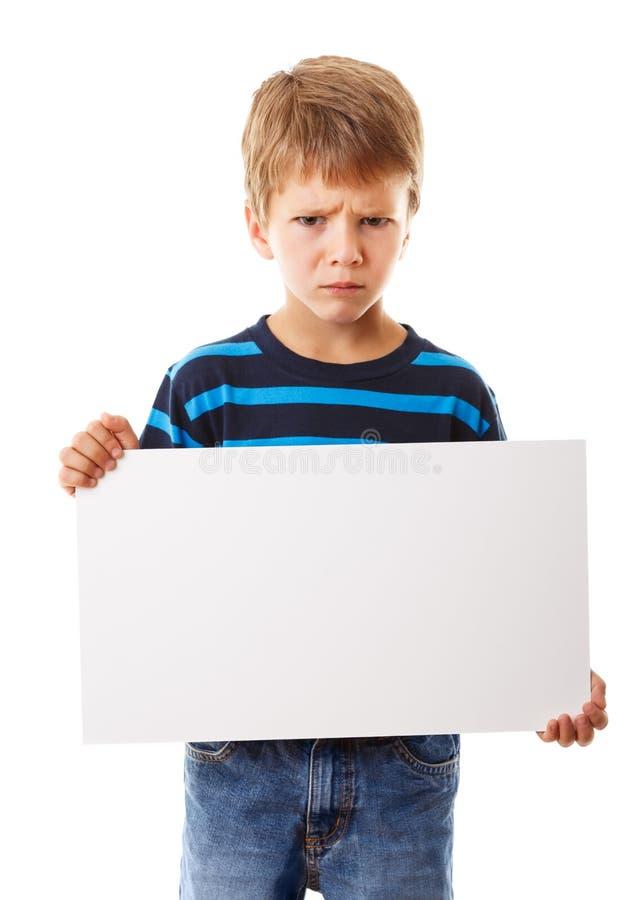 Droevige jongen met lege spatie stock foto