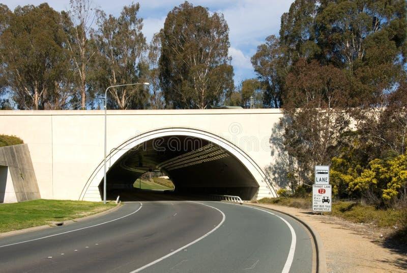 droga do tunelu podejście obrazy stock