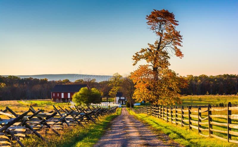 Droga gruntowa jesień i gospodarstwo rolne barwi w Gettysburg obraz royalty free
