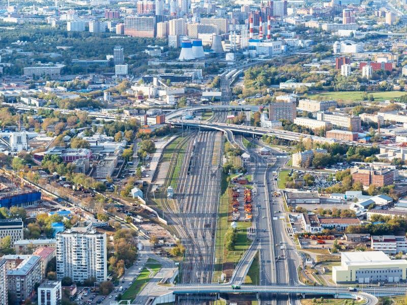 Droga i Kolejowy okrąg na północnym zachodzie Moskwa obraz royalty free