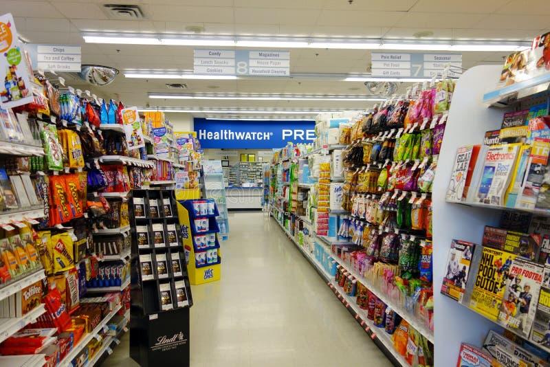 Droga Mart Store dos clientes imagens de stock royalty free