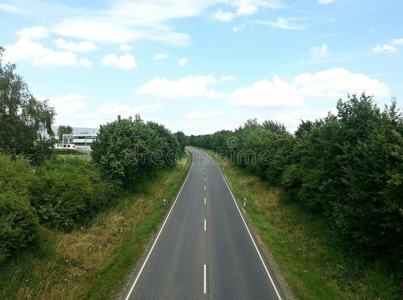 Droga po środku natury zdjęcie stock