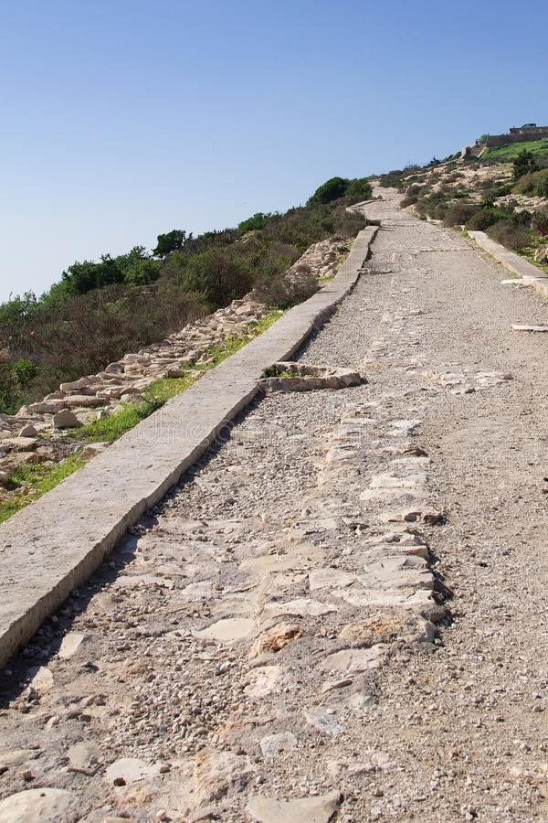 Droga prowadzi Oufella Kasbah ruiny, Agadir, Maroko, Afryka fotografia stock